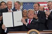 Ông Trump liên tiếp 'ghi điểm' cuối năm
