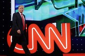 Báo, đài Mỹ và tin tức giả mạo về Tổng thống Trump