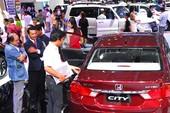 Ngừng xuất ô tô sang Việt Nam: Ai thiệt?