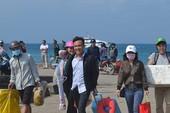 Khách nườm nượp ra đảo Lý Sơn du xuân