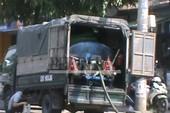 Xe rút hầm cầu giả dạng xe tải