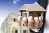 Đang bán nhà thì chồng qua đời, phải làm sao?