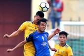 Các CLB bóng đá Việt Nam không chịu lớn
