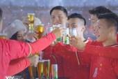 Phản cảm Quang Hải 'dzô… dzô…' quảng cáo bia