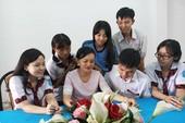 Cô giáo xinh đẹp nối lại 'bo mạch' cho học sinh cá biệt