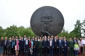 Lễ dâng hương kỷ niệm 128 năm ngày sinh của Bác tại Moscow
