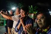 Nghẹt thở giải cứu đội bóng nhí Thái Lan