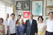 Thủ tướng thăm hỏi các gia đình liệt sĩ tại Hà Nội