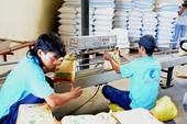 Trung Quốc tăng thuế sốc, gạo nếp Việt đình trệ