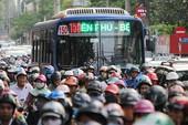 Có nên dành làn ưu tiên cho xe buýt?