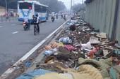 Bãi rác khổng lồ giữa phố