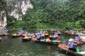 1.500 phụ nữ chèo đò ở Khu du lịch Tràng An