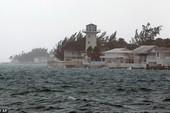 Tàu Mỹ mất tích tại 'tam giác quỷ' vì siêu bão Joaquin