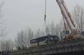 Trung Quốc: Cướp tay lái xe buýt, hàng chục người thương vong