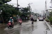 Sài Gòn đột ngột mưa to giữa mùa khô