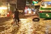 Muốn xe hút nước cứu đường ngập nặng nhất Sài Gòn