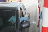 Hàng loạt xe gian lận vé trên cao tốc Nội Bài - Lào Cai