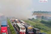 Tai nạn liên hoàn trên cao tốc là do khói đốt đồng