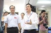 Bộ trưởng Phùng Xuân Nhạ thị sát tại điểm thi