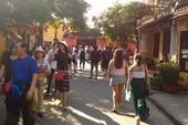 Chiều cuối năm: Phố cổ Hội An đông nghẹt khách du lịch