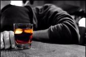 Nam diễn viên tử vong vì tự cai rượu tại nhà
