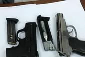 Bắt ma túy ở quận 12, thu 2 khẩu súng quân dụng
