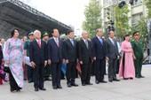 Lãnh đạo TP.HCM dâng hương, dâng hoa lên Chủ tịch Hồ Chí Minh