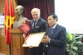 Việt Nam có tân đại sứ du lịch là huyền thoại golf người Úc