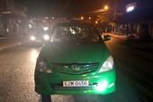 Truy bắt nhóm thanh niên nổ súng vào taxi ở Tiền Giang