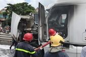 Xe Container bốc cháy trên quốc lộ 1 ở quận 12