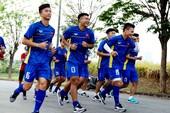 Olympic Việt Nam vừa đặt chân đến Indonesia đã gặp khó