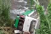 Ô tô lao xuống vực ở đèo Lò Xo, 16 người thương vong