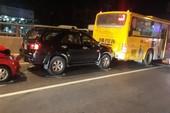 Xe buýt chuyển làn, tai nạn liên hoàn tại hầm chui An Sương