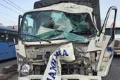 Quận 12: Xe tải tông vào nhà dân sau va chạm liên hoàn