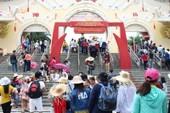 Khu du lịch Suối Tiên đông nghẹt dịp nghỉ lễ 2-9
