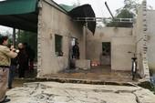 Vụ nổ bay mái nhà: Sinh viên bị nát bàn tay