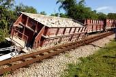 Toa tàu gãy trục văng khỏi ray, đường sắt Bắc-Nam ách tắc