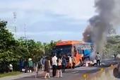 Xe giường nằm cháy trên quốc lộ 1A, 23 hành khách hốt hoảng