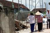 3 người thương vong do tường nhà cũ đổ sập