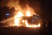 3 xe bốc cháy sau khi bị CSGT bắt cân tải trọng