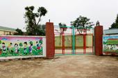 Vụ xây lớp học sai và cô giáo quỳ: Huyện muốn đấu giá tài sản