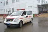 3 nghi can đâm thấu ngực nạn nhân, chặn xe cứu thương