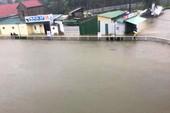 Đang mưa lớn ở Nghệ An, xuất hiện 'hố tử thần'