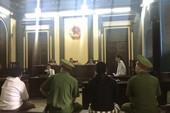 Người đánh kiểm sát viên tại tòa được đưa đến phiên xử dân sự