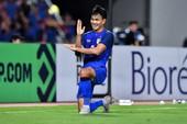 HLV Hiddink thăm tuyển Thái, Adisak đòi phá lưới Malaysia