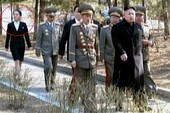 Triều Tiên: Em gái Kim Jong-un quyết định người kề cận anh mình