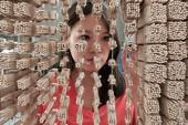 Ngỡ ngàng với chân dung Thành Long được làm từ 64.000 chiếc đũa