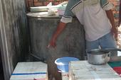 Lấy nước khoáng… dội nhà vệ sinh