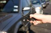Bắt khẩn cấp kẻ lấy trộm xe hơi tinh vi