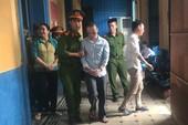 Thanh niên 'xài' tiền giả khóc nức nở vì bị tăng án tù